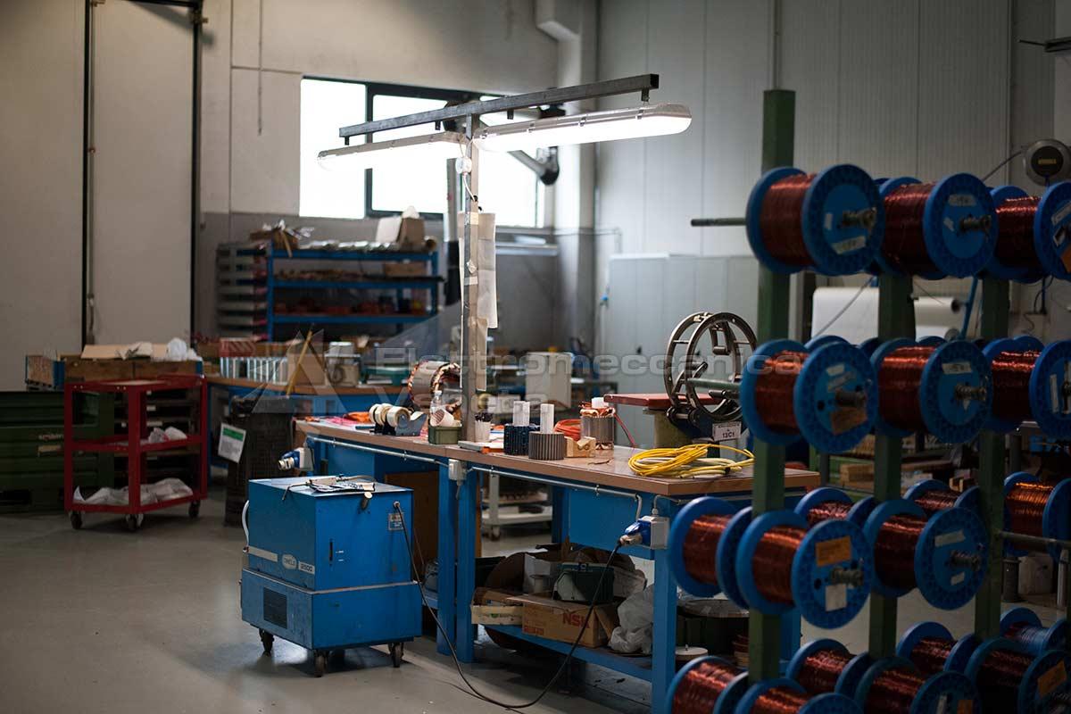 Officina elettrica revisione pompe e motori elettrici for Motori elettrici per macchine da cucire